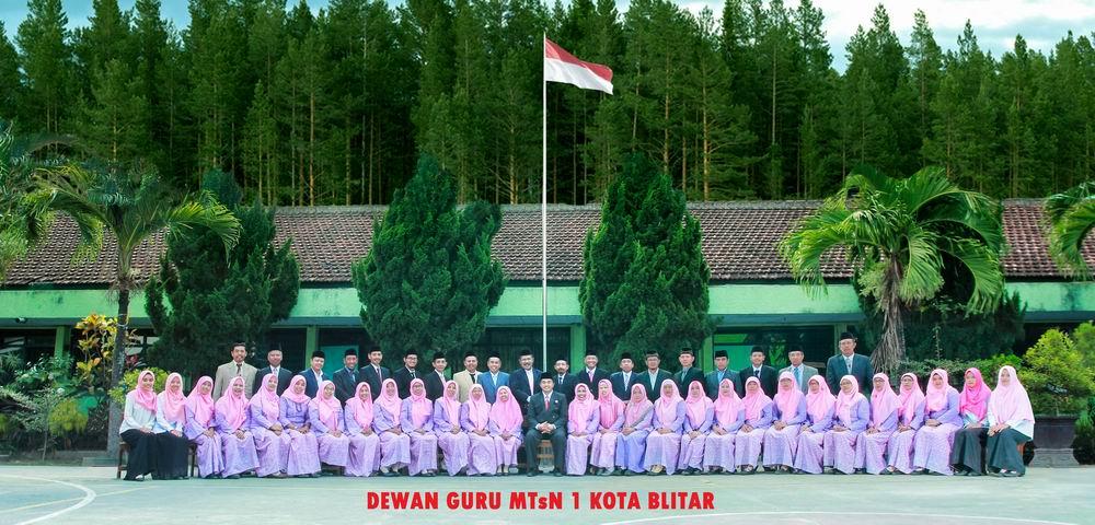 Guru dan Karyawan MTsN 1 Kota Blitar